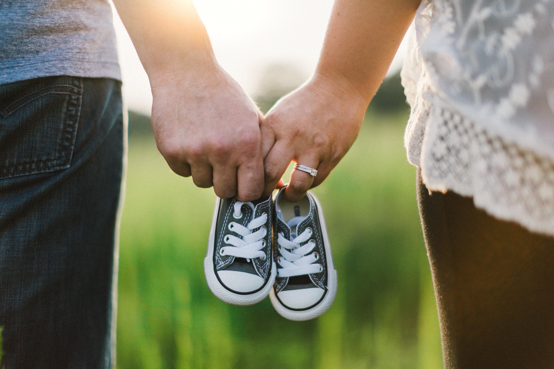 """""""Ugyanúgy teljes család lesznek, és ugyanúgy a saját gyermekük lesz"""" – az örökbefogadás lelki tényezői"""