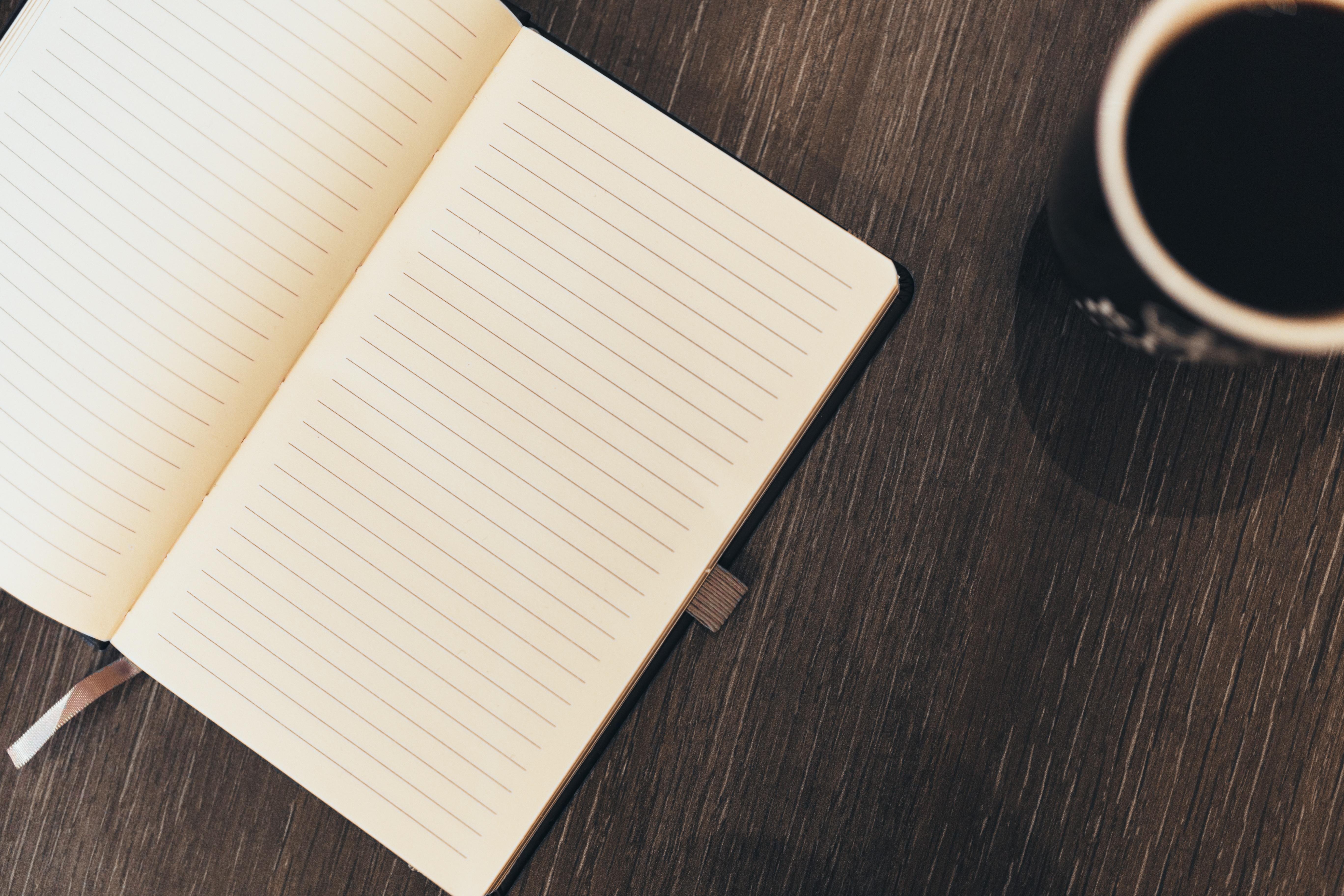 A naplóírás hatása: segít a gondolatok strukturálásában és önmagunk megértésében