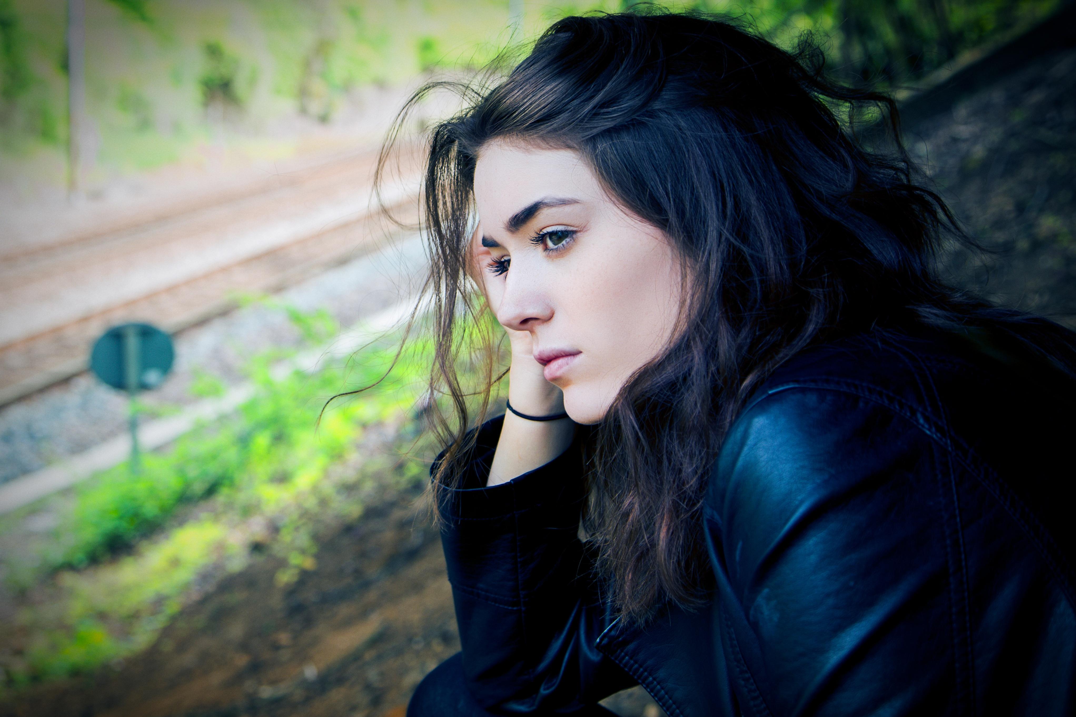 """""""Mindig akkor bántottam magamat, amikor valaki bántott"""" – Őszintén az önsebzésről"""