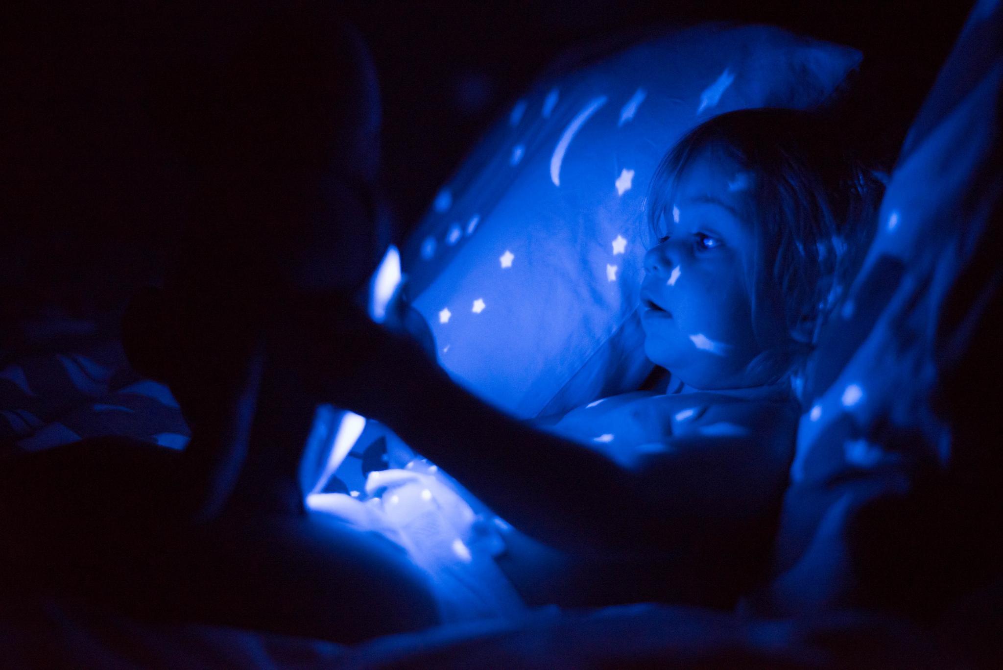 Aludj csak, mi álmodunk! – Hogyan segíthet a szülő a sötéttől való félelem oldásában?