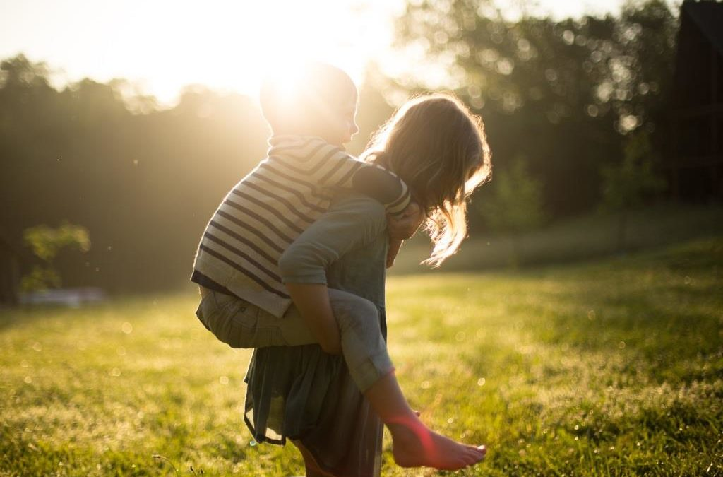 """Dr. Márky Ádám: """"Mindful szülőként kevésbé szorongó, egészségesebb lelkű, kreatívabb és boldogabb generációt nevelhetünk"""""""