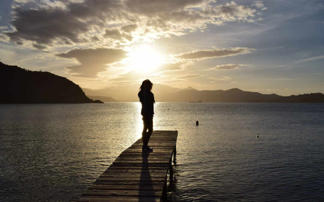 Miért félünk egyedül maradni önmagunkkal? – A csend és a szorongás