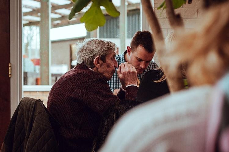 Ezért beszélgess a nagyszüleiddel karácsonykor – vagy úgy általában mindig