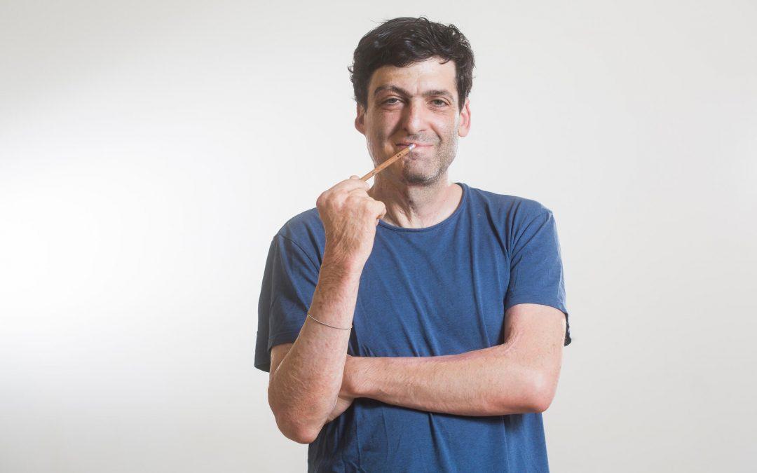 """""""Túl elfoglaltak vagyunk ahhoz, hogy jó döntéseket hozzunk"""" – Interjú Dan Ariely-vel"""
