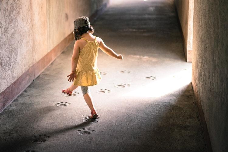 Vissza a múltba, egészen önmagadig – Hogyan fedezd fel belső gyermeked?