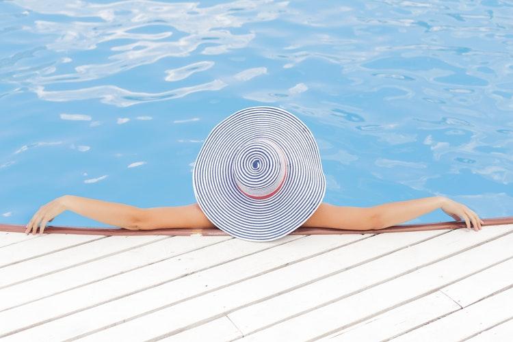 """""""A valódi nyaralás nemcsak a """"kötelező"""" boldogságról szól, hanem arról is, hogy elengedjük a nehézségeket"""""""