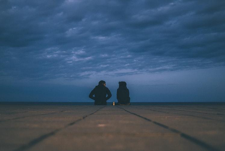 """""""Szerintem pszichológushoz kellene menned"""" – Mit tegyünk, ha egy szerettünknek lelki segítségre van szüksége?"""