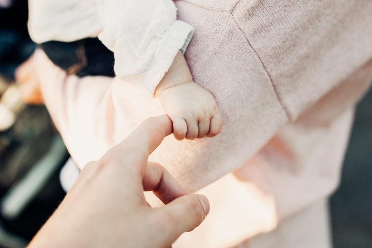 """""""Felborul a régi rend, és megszületik egy új"""" – A szülővé válás útján"""