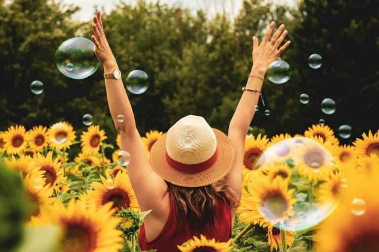 """""""Ha figyelünk rájuk, a legapróbb dolgok is boldoggá tehetnek"""" – A boldog emberek 7 szokása"""