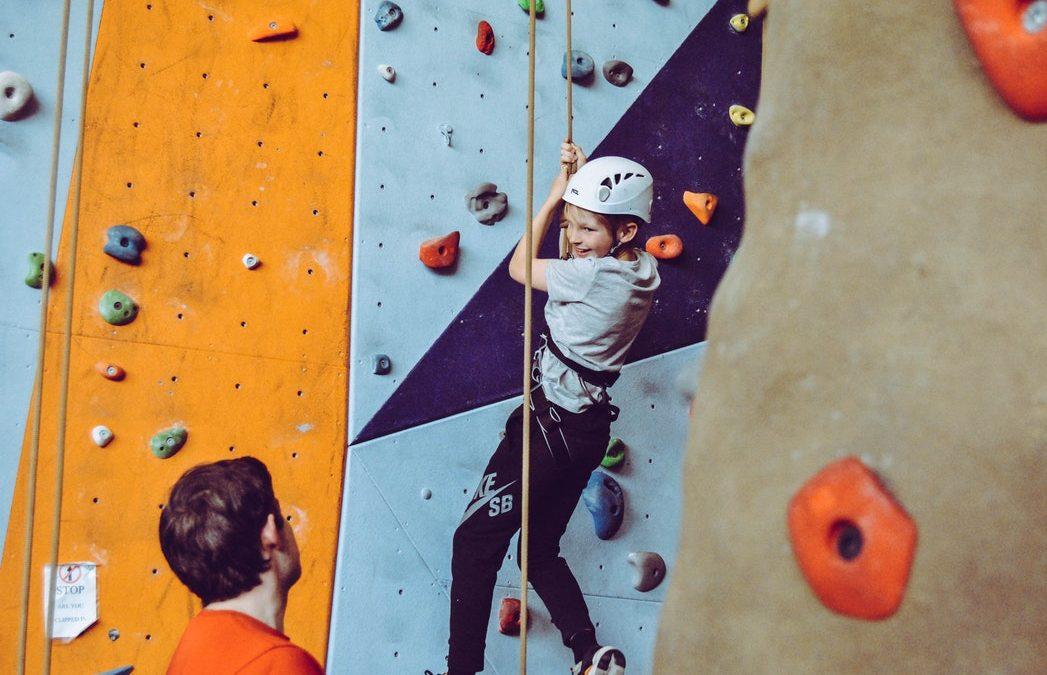 """Fiatalok VS testmozgás: a példamutatás és a tájékoztatás segít, a """"paráztatás"""" nem"""