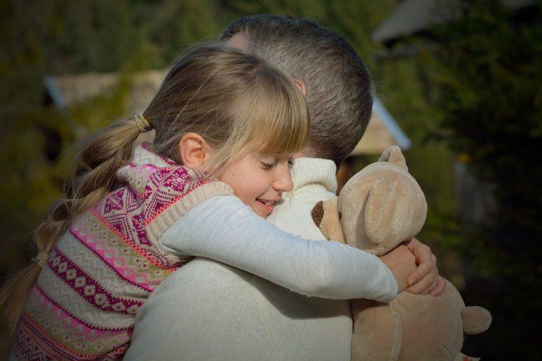 """""""Az apaság a szeretet szerepe – férfiakra szabva"""" – Így turbózzák fel az életünket az apák"""