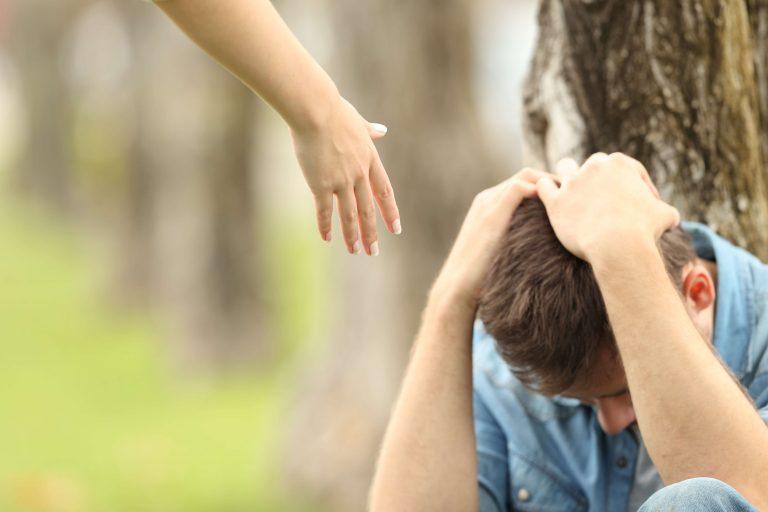 """""""Azt hisszük, hogy egyedül halunk meg, de ez nem igaz"""" – 40 másodperc az öngyilkosság megelőzéséért"""