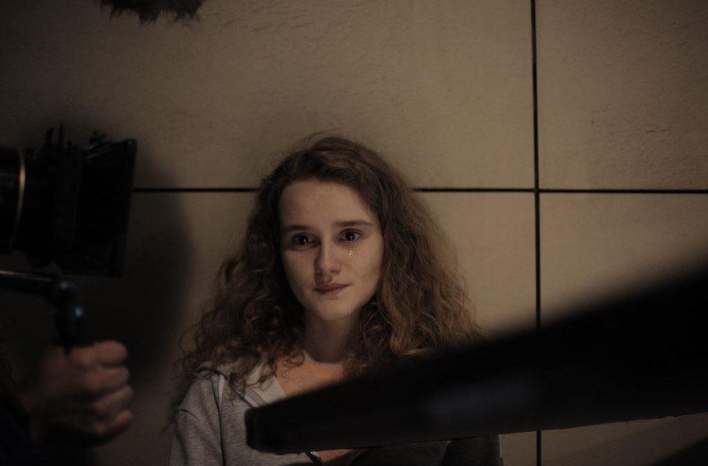 """""""Ez nem egy sötét vízió, hanem a valóság"""" – Interjú Tari Annamáriával a FOMO című film nyomán"""