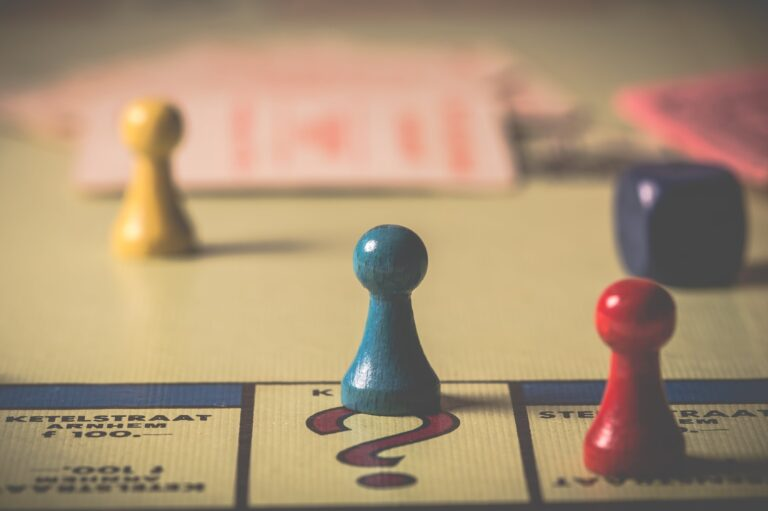 Fókuszáltabbá tesz, türelemre tanít, javítja a memóriát és szórakoztat, mi az? – 5+1 tudományos érv a társasjáték mellett